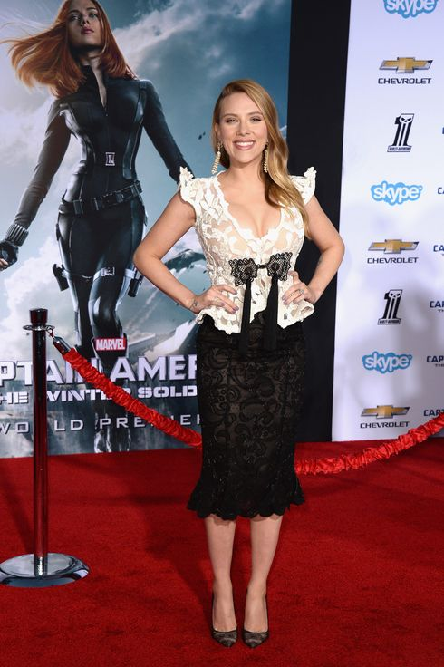 "Actress Scarlett Johansson, arrives at the premiere Of Marvel's ""Captain America:The Winter Soldier at the El Capitan Theatre on March 13, 2014 in Hollywood, California."