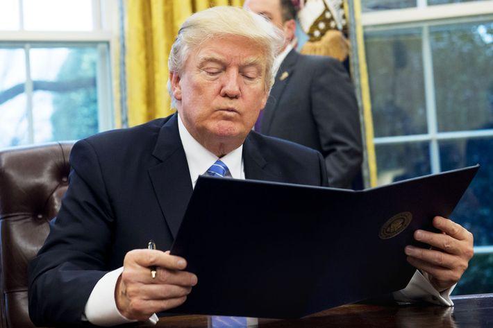 President Trump top aides face sack