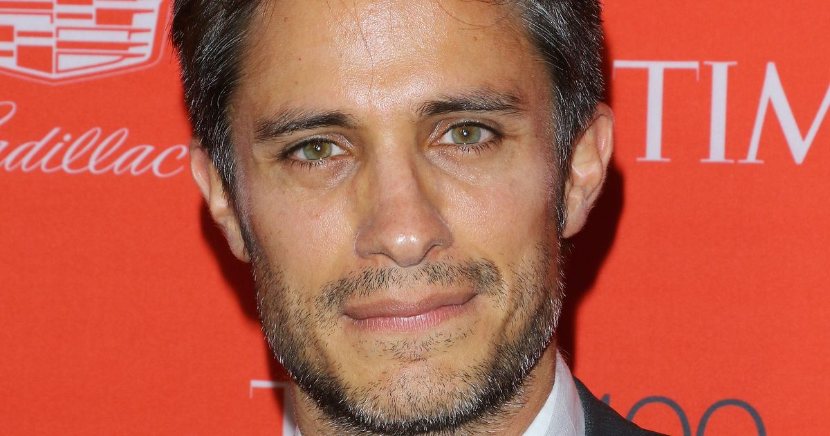 Gael García Bernal to Play Futuristic Zorro, Will Reteam ...