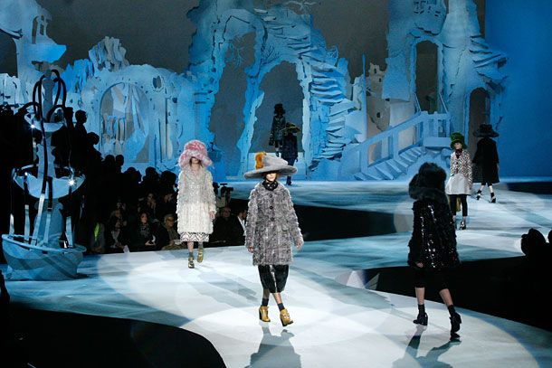 The best fashion week set design the cut - Best runway shows ...