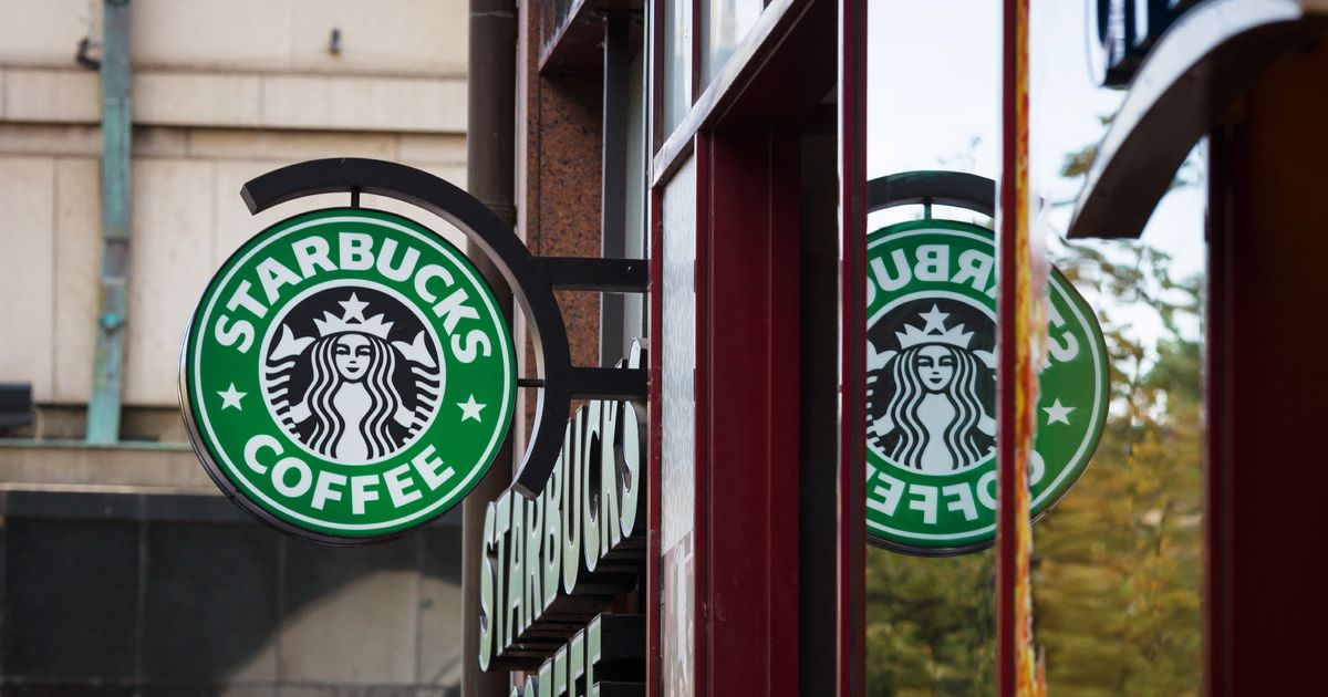 starbucks corporation costing system 1987 il giornale acquires starbucks assets with the backing of local investors and changes its name to starbucks corporation opens in chicago and vancouver, canada.