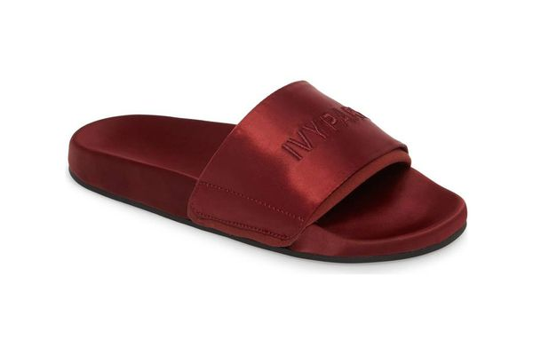 IVY PARK High Shine Slide