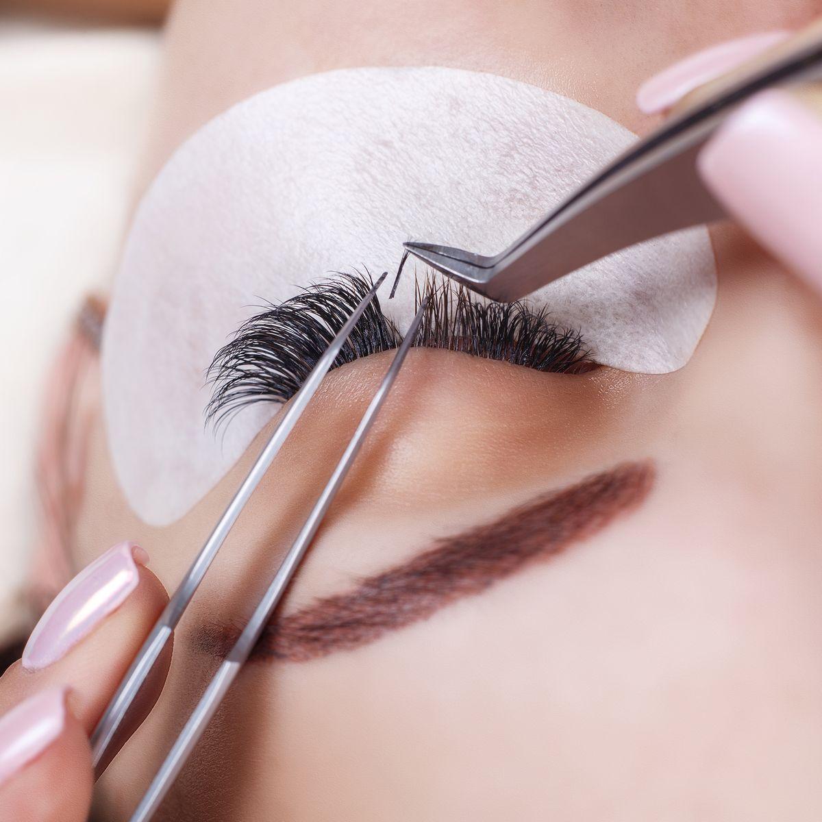 Eyelash Extensions: How Long Do Eyelash Extensions Last?