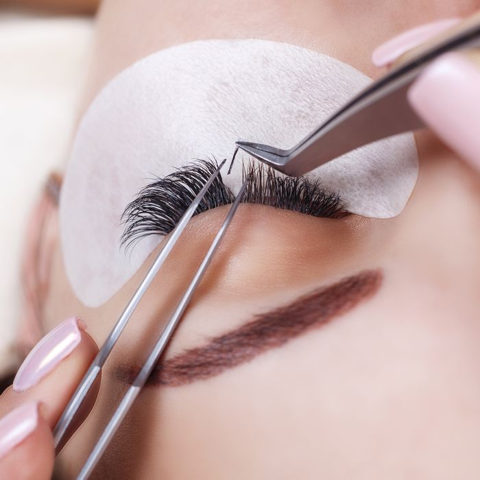 4f343673337 Eyelash Extensions: How Long Do Eyelash Extensions Last?
