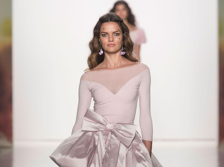 4f6a1df851470 Chiara Boni La Petite Robe Spring 2018 RTW Fashion Show - The Cut