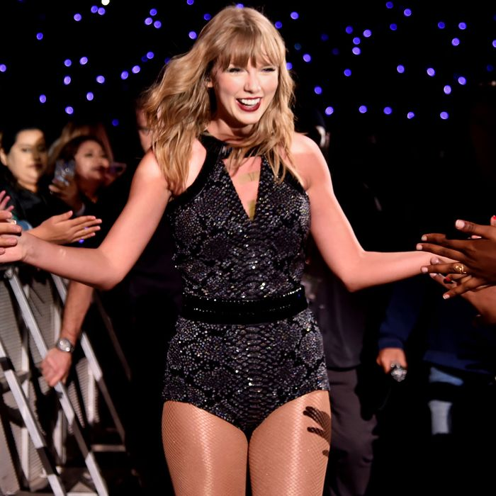 3dfdb4aa2d1 Taylor Swift Scanned Audience Using Facial Recognition Tech