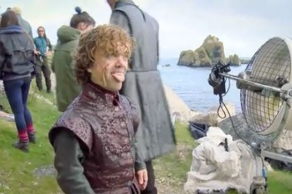 Behind the scenes&Bloopers - Page 2 11-GameofThrones-Gif.w529.h352