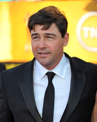 LOS ANGELES, CA - JANUARY 29: Actor Kyle Chandler arrives at the 18th Annual Screen Actors Guild Awards at The Shrine Auditorium on January 29, 2012 in Los Angeles, California. (Photo by Alberto E. Rodriguez/Getty Images)