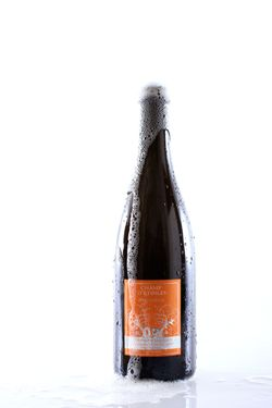 How about some sparkling wine from the Jura?