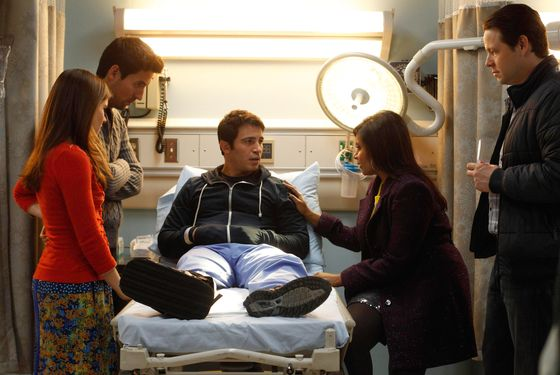 THE MINDY PROJECT: Betsy (Zoe Jarman, L), Jeremy (Ed Weeks, second from L), Mindy (Mindy Kaling, second from R) and Morgan (Ike Barinholtz, R) visit