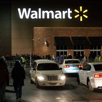 Walmart Workers Refuse To Make Racist Cake For Police Officers Retirement