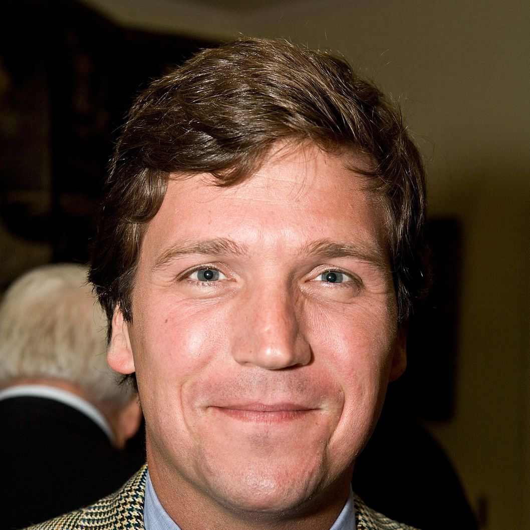 WASHINGTON - APRIL 07:  Tucker Carlson poses for a photo at a HeadCount fundraiser held in a private home on April 7, 2008 in Washington D.C.  (Photo by Paul Morigi/WireImage)