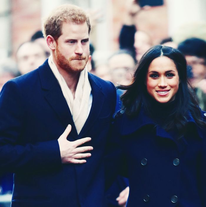 meghan markle prince harry choose untraditional wedding cake meghan markle prince harry choose