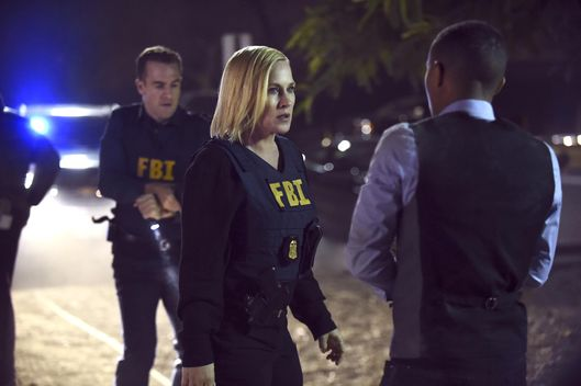 """Fire Code"" -- Avery and her team investigate a new cyber threat that allows arsonists a less traceable method of starting fires in homes.  Meanwhile, Elijah\'s ex-wife informs him she\'s starting a new job out of town and wants to take their daughter with her, on CSI: CYBER, Wednesday, March 25 (10:00-11:00 PM ET/PT), on the CBS Television Network.   Pictured: (L-R) James Van Der Beek, Patricia Arquette and Shad Moss Photo: Ron P. Jaffe /CBS ?'??2015 CBS Broadcasting, Inc. All Rights Reserved"