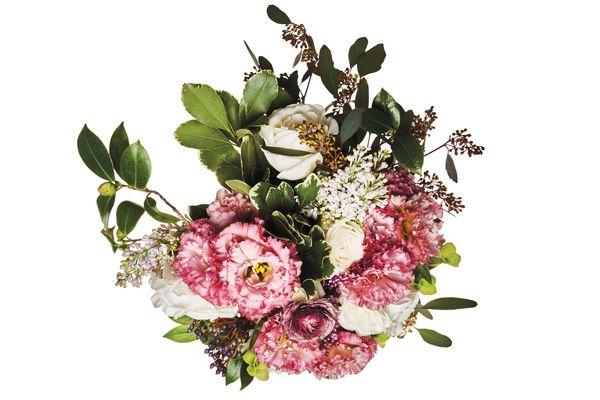 Garden rose, lilac, gardenia leaf, Clooney ranunculus, Carno ranunculus, and Japanese lisianthus