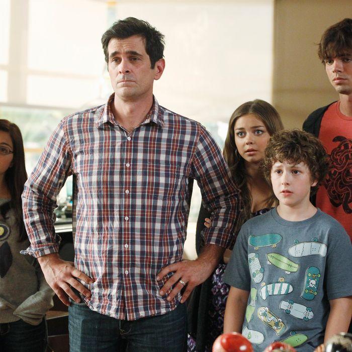 MODERN FAMILY - In the Season 4 premiere,