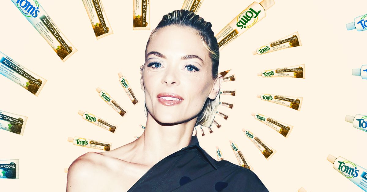 For Jaime King, Regret Smells Like New York City With No AC