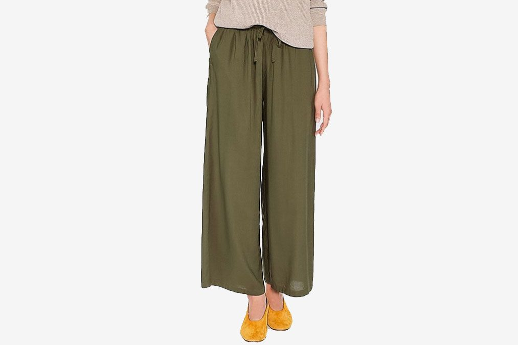 03a1d73cefab15 The 26 Best Travel Pants for Women 2018