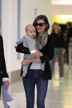 Miranda Kerr and baby Flynn arrive at Sydney airport, Australia. <P> Pictured: Miranda Kerr and Flynn Kerr Bloom <P> <B>Ref: SPL301032  260711  </B><BR/> Picture by: Grey Wasp/Blue Wasp/Splash News<BR/> </P><P> <B>Splash News and Pictures</B><BR/> Los Angeles:310-821-2666<BR/> New York:212-619-2666<BR/> London:870-934-2666<BR/> photodesk@splashnews.com<BR/> </P>