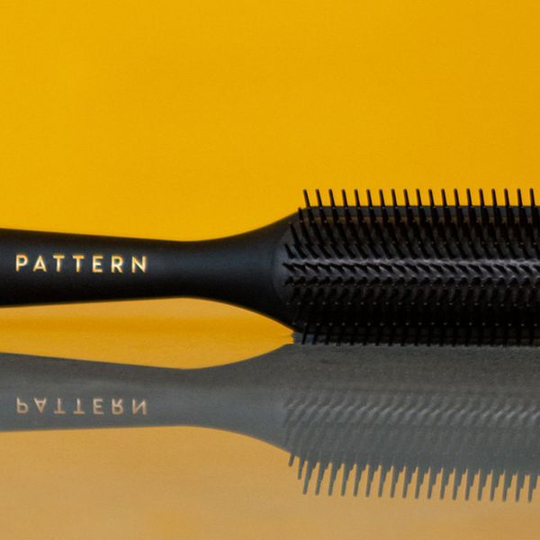 PATTERN Shower Brush