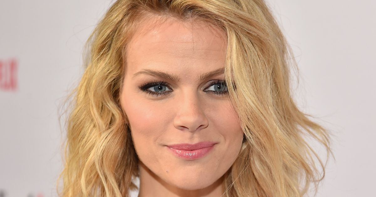 Brooklyn Decker's Flight Left Without Her After They Said ... Brooklyn Decker