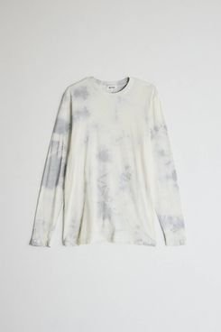 Need Long Sleeve Dye Tee in Dove Grey Tie Dye